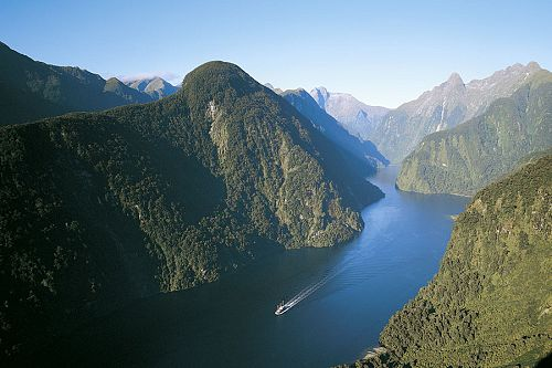 New Zealand Beach Resorts Vacation - Doubtful Sound