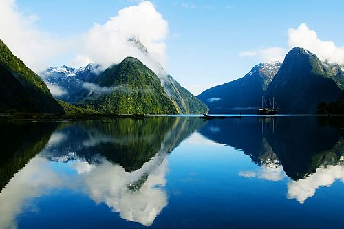 New Zealand Highlights Tour: South Island - Milford Sound