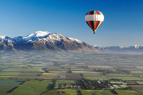 Hot Air Balloon Over the Canterbury Plains - Book Your Trip to New Zealand - New Zealand Travel Agency