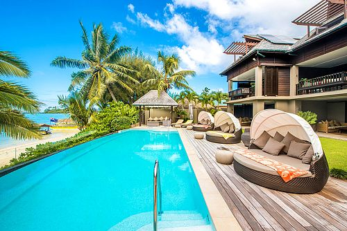 Romantic Cook Islands: Beach Villa Vacation