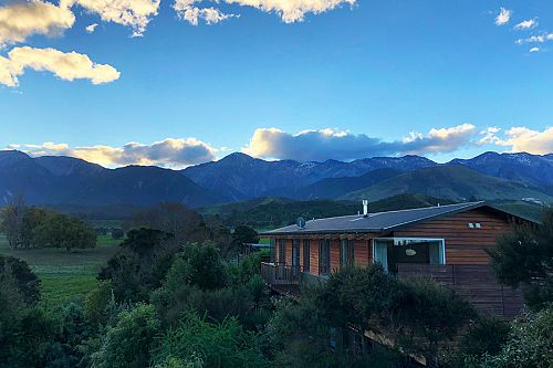 Where to Stay in Kaikoura New Zealand - Hapuku Lodge and Treehouses