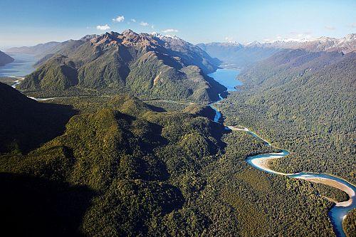 Hollyford Track New Zealand - Hollyford Valley and Lake McKerrow