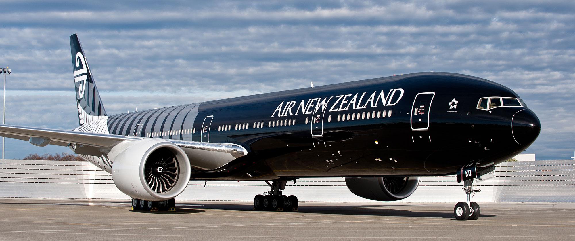 Air New Zealand - black plane exterior