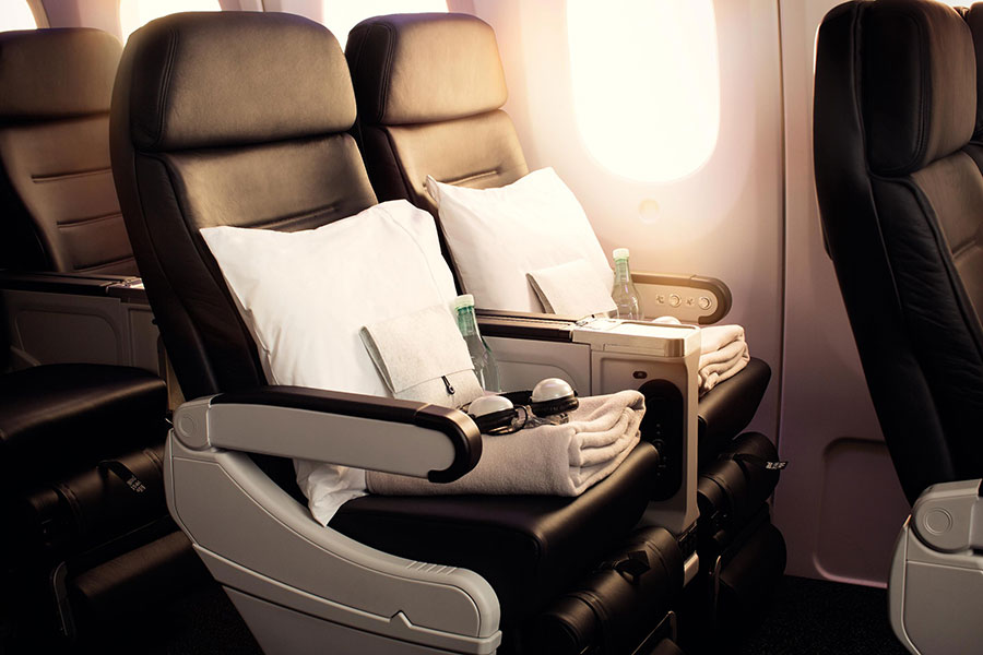 Fly Air New Zealand - Premium Economy Cabin